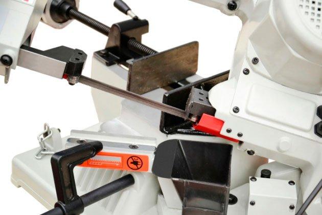 sierra-cinta-MC-BS-100-para-talleres-mantenimiento-carpinteria-estructura-metalica-02