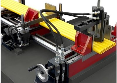 Hydraulic bundle clamping device